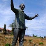 世界一大きいネルソン・マンデラ像