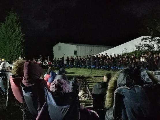 2105 choir01